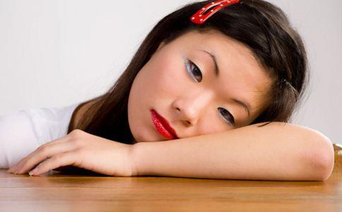 排卵期肚子疼怎么回事 排卵期有什么症状 女性排卵期的症状